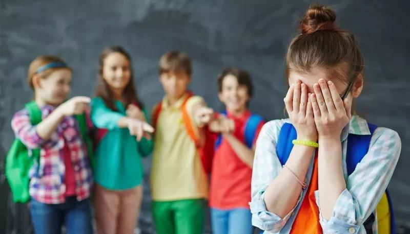 Lutfi Arya, Buku Melawan Bullying Menggagas Kurikulum Anti Bullying Di Sekolah